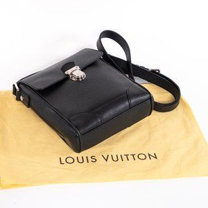 Louis Vuitton Bags - 📉 PRICE DROP ‼️ LV Black Taiga Leather Crossbody